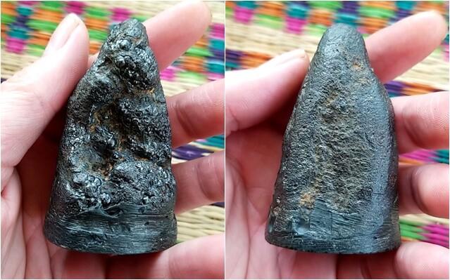 หินมหัศจรรย์ มาเองโดยไม่ต้องไปปีนเขาไปเอามา